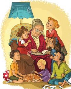 la-grand-mre-s-asseyant-dans-la-chaise-lit-un-livre-ses-petits-enfants-62245390